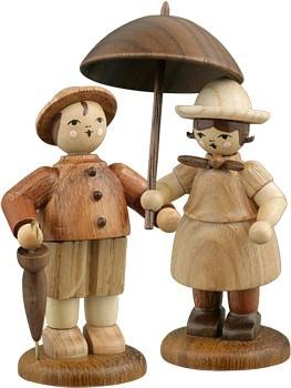 Bauernpaar mit Schirm Natur