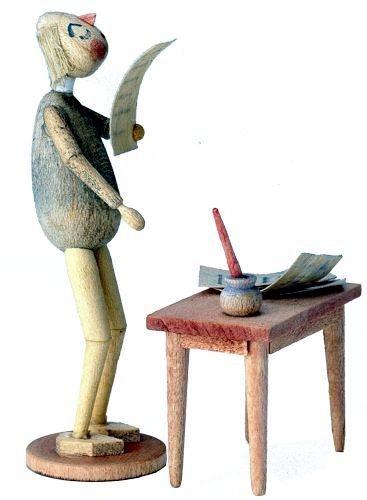 Holzfigur Bürokrat