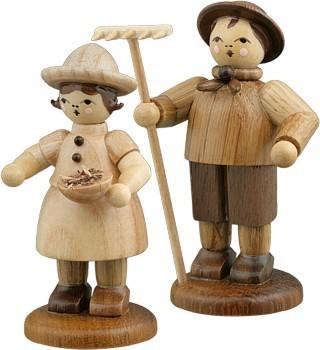 Bauernpaar mit Rechen und Schale natur