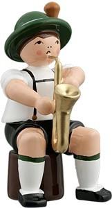 Bayernmusikant mit Saxophon