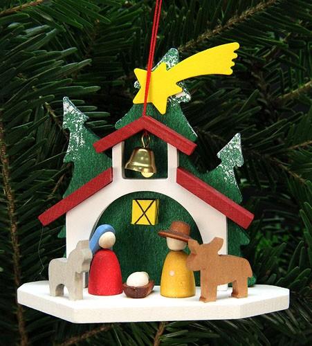 Baumbehang Kapelle mit heiliger Familie