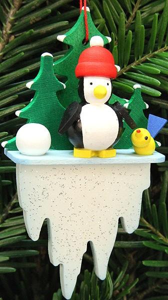Baumbehang Pinguin auf Eiszapfen