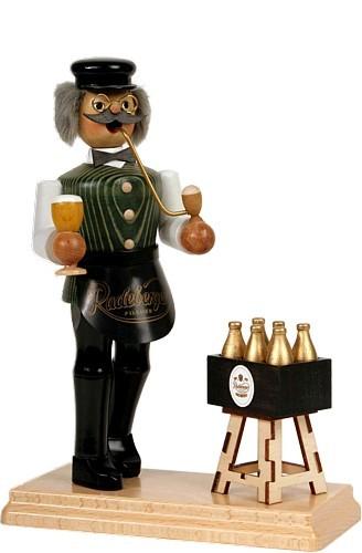 Räuchermann Gastwirt mit Bierkasten - Radeberger, grüne Weste