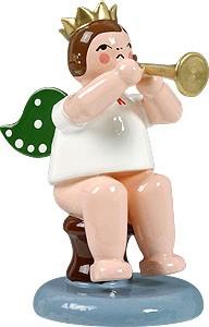 Engel sitzend mit Trompete