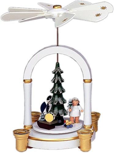 Weihnachtspyramide Engel unterm Weihnachtsbaum