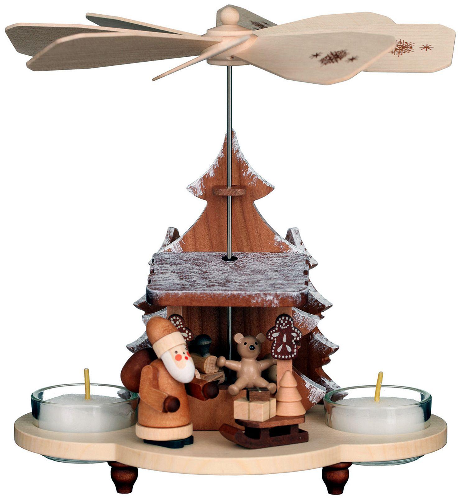 Pyramide Weihnachtsmann auf Striezelmarkt natur