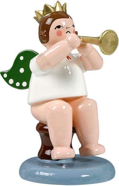Engel mit Trompete, sitzend, mit Krone