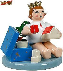 Engel mit Spielzeugkiste - sitzend, ohne Krone